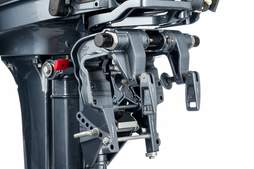 поломки подвесных лодочных моторов